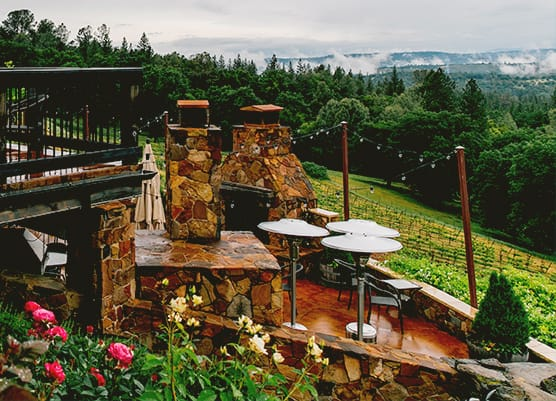 Skinner winery tasting outdoors area